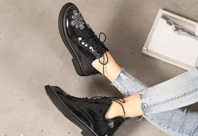 FINDSENSE品牌 四季款 新款 日本 女 高品質 低跟 精緻刺繡 繫帶 布洛克鞋 休閒小皮鞋 潮流鞋子