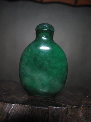 緬甸玉 ◎ 翡翠綠 鼻煙壺