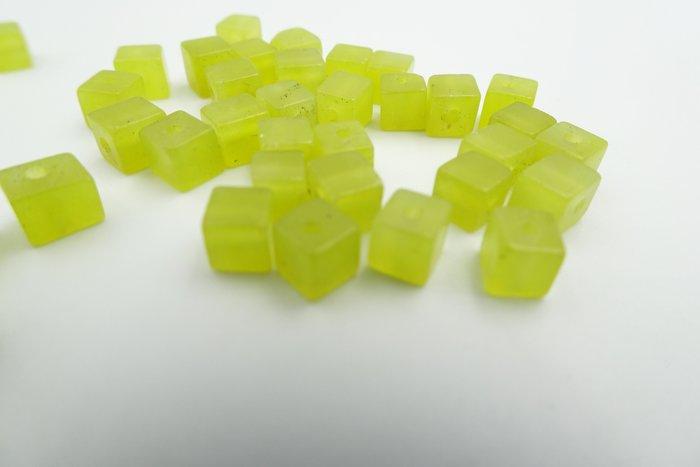 %玉承珠寶% 天然黃綠色岫玉4MM 方塊珠 散珠 串珠 一顆10元