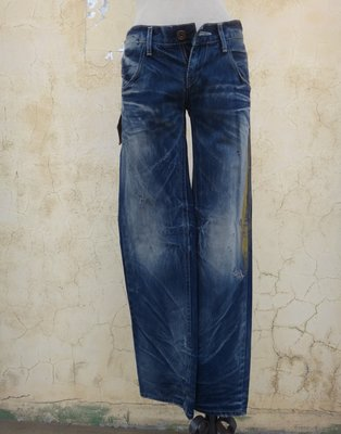 jacob00765100 ~ 全新 正品 韓版 YANU 刷漆 破損 直筒牛仔褲 Size: S