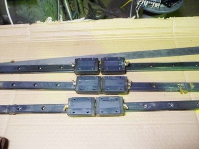 THK  型號 SR20 長度57.7公分  滑軌 ( 滾珠螺桿 滑台 線性滑軌  定位控制器 伺服馬達  )