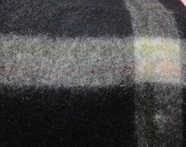 黑格紋100%小羊毛圍巾Cashmere.H&M.ARMAN.POLO.NAUTI.A&F.ZARA.gap.uniql