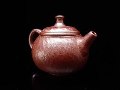 台灣柴燒壺,第七屆金壺獎作品入選陶藝家徐自助手拉柴燒壺。