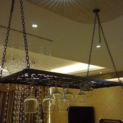 5Cgo【宅神】含稅會員有優17359452176酒杯架倒掛杯架懸掛紅酒杯威士置物架酒店飯店咖啡館吧台-80cm