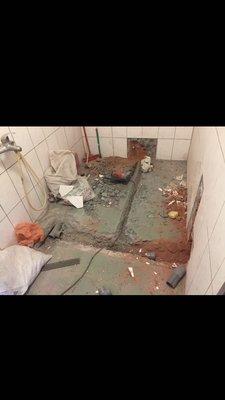 台中文堂防水抓漏冷熱管浴室漏水整修