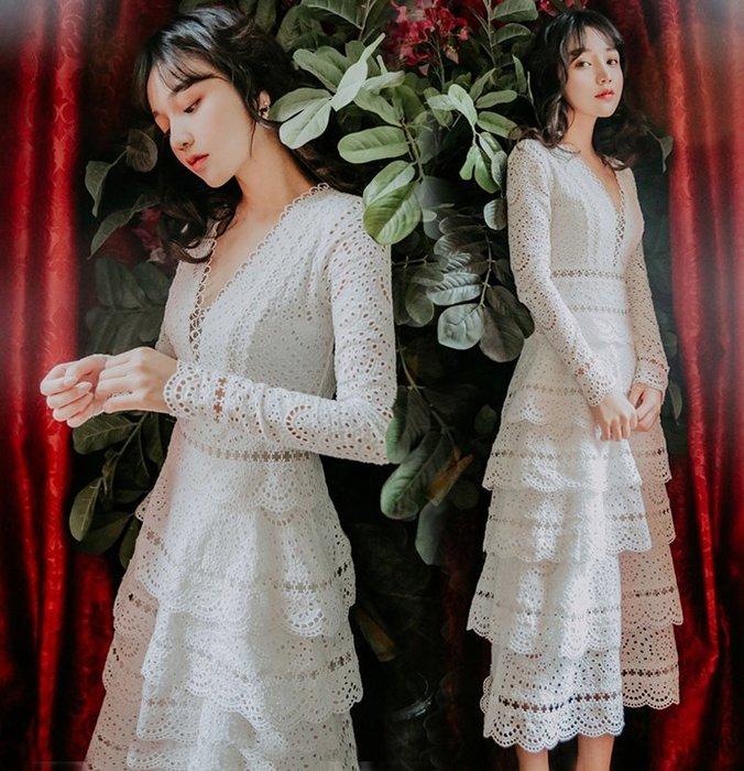 ♥PK漂亮♥ F18086 S~XL號 法式白色蛋糕裙V領全蕾絲簍空氣質純色長袖長裙連身洋裝 生日宴會小禮服