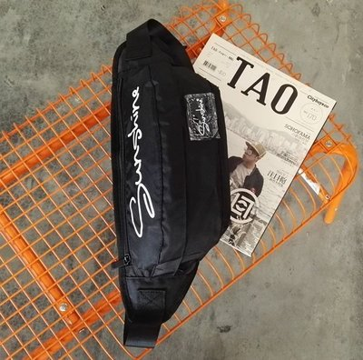 推薦款 小腰包 素面 草寫 質感 防潑水 包包 腰包