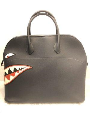 【RECOVER 名品二手sold out】HERMES 限量深藍色大型鯊魚BOLIDE