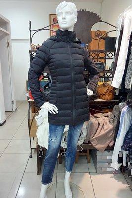JANET 全新真品~CANADA GOOSE  黑色  長版羽絨外套