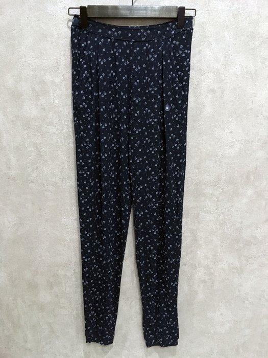 Maple麋鹿小舖 abercrombie&fitch * a&f 女童款深藍色花花休閒長褲 * ( 現貨XL號 )