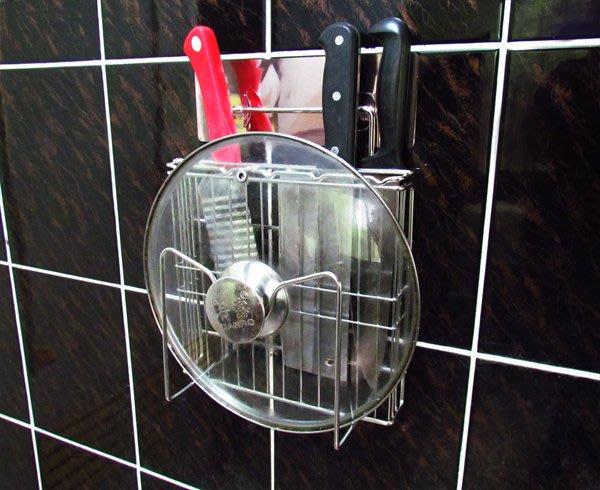 *新世代*貼掛免鑽孔不鏽鋼刀架,前方可掛鍋蓋、砧板,可拆卸換位重複使用。304不銹鋼廚房置物架