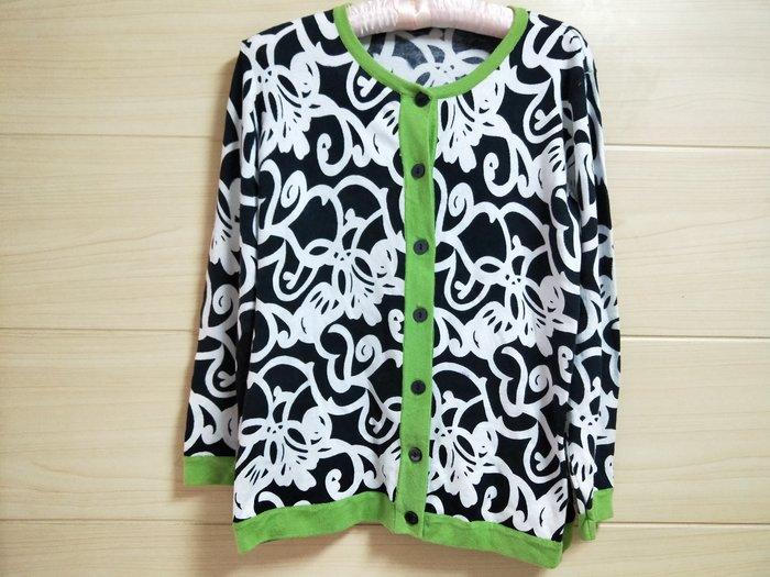 丹丹衣坊--黑白歐式花紋毛衣
