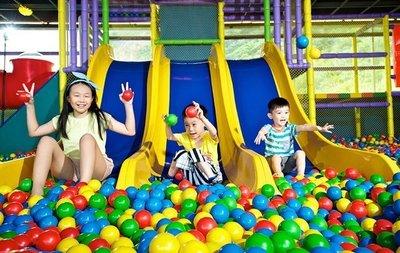 [輕鬆玩]12/31前適用.萬里野柳薆悅渡假酒店.品逸客房/樂活家庭房含早餐+飯店設施+泳池+兒童FunHous