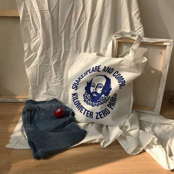 現貨【鳳眼夫人】自製訂製款 白色 原創設計字母人像印花帆布包 手提袋 環保購物袋 韓國ulazzing爆款帆布包 肩背包