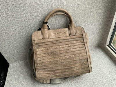 德國 FREDsBRUDER 啡色水洗牛皮 摺紋 手挽 單咩袋 ($480 包順豐)