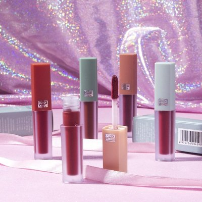 韓索依的賣場Lipstick lip glaze 5 sticks single stick not easy to decolor