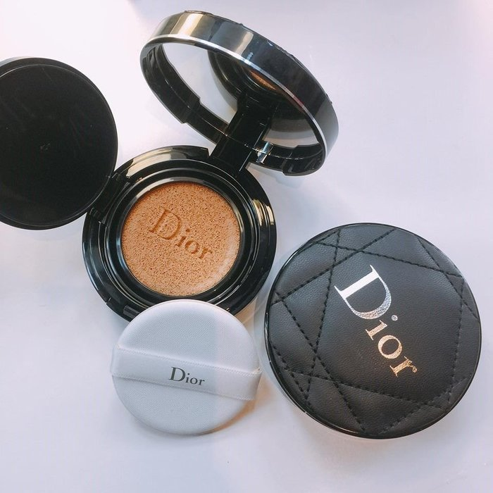 min~迪奧Christian Dior超完美持久氣墊粉餅推出亞洲限定的皮革質感訂製版 全新限量版