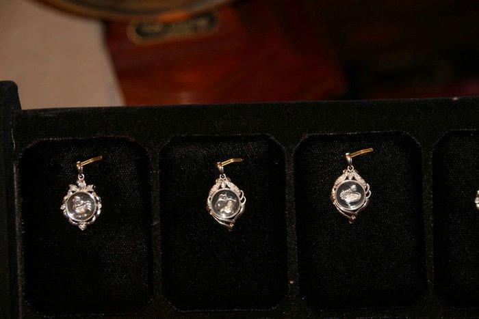十二生肖小鑽石墜子