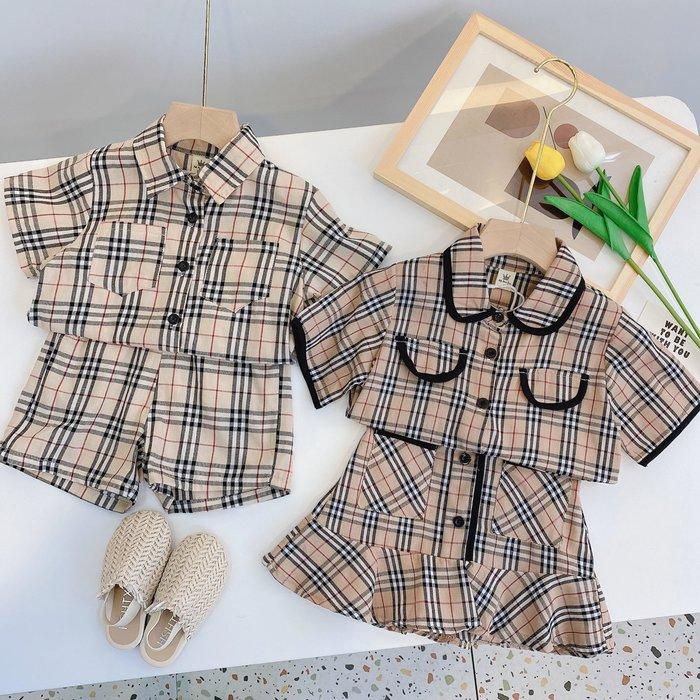 •*~ 辣媽咪衣飾小舖 ~*•❤童裝系列❤韓版兒童夏款英倫風復古格子短袖上衣+荷葉邊短裙(短褲)二件套兄妹裝