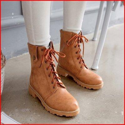 大尺碼女鞋【A13047】復古百搭素面綁帶翻領馬汀靴 ~3色~