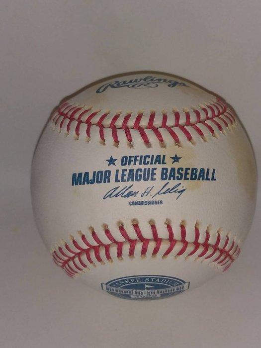 貳拾肆棒球--美國帶回職棒大聯盟MLB紐約洋基球場官方比賽用球/ Rawlings 製造