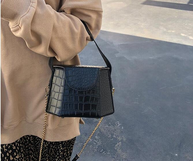 FINDSENSE X 新款 女包 女士手提包 時尚鏈條 小包 鱷魚紋方盒 定型包 手拎包