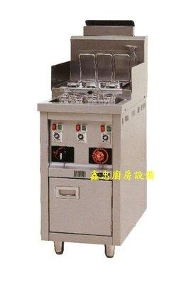 鑫忠廚房設備 餐飲設備:三槽義大利式煮麵機-賣場有工作臺-冰箱-水槽-烤箱-攪拌機
