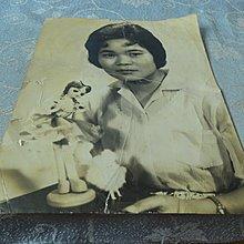 藍色小館10-8--------約40-50年代.沙龍照{1張}