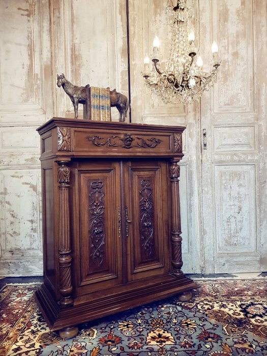 【拍賣師古董市集】歐洲古董1950年代法國文藝復興邊櫃