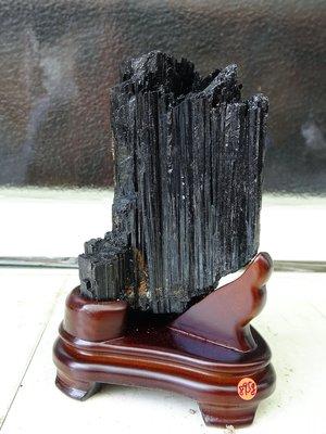 ~shalin-crysta~手握式~黑碧璽原礦~0.895公斤~招財納福~新陳代謝~能量優質~低價起標!