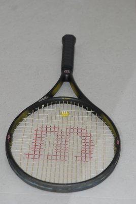 Wilson High Beam Series STAFF 300 ST 碳 纖 維 110 SQ 網 球 拍
