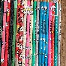 7x 支 snoopy 鉛筆,有幾支擦紙膠有問題