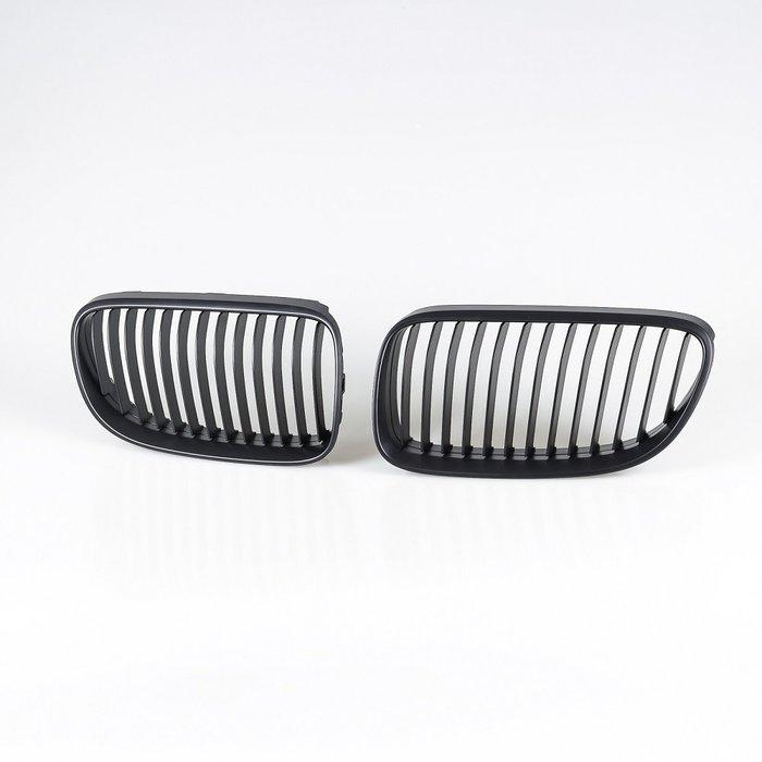 [消光黑] 水箱罩鼻頭格柵 寶馬BMW 3系列 E92 E93 2010-2012年式適用/汽車外飾交換件