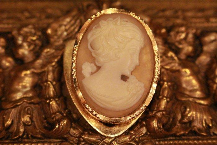 【家與收藏】特價稀有珍藏歐洲古典法國優雅細緻CAMEO鑲嵌浪漫女神浮雕袖珍領巾夾