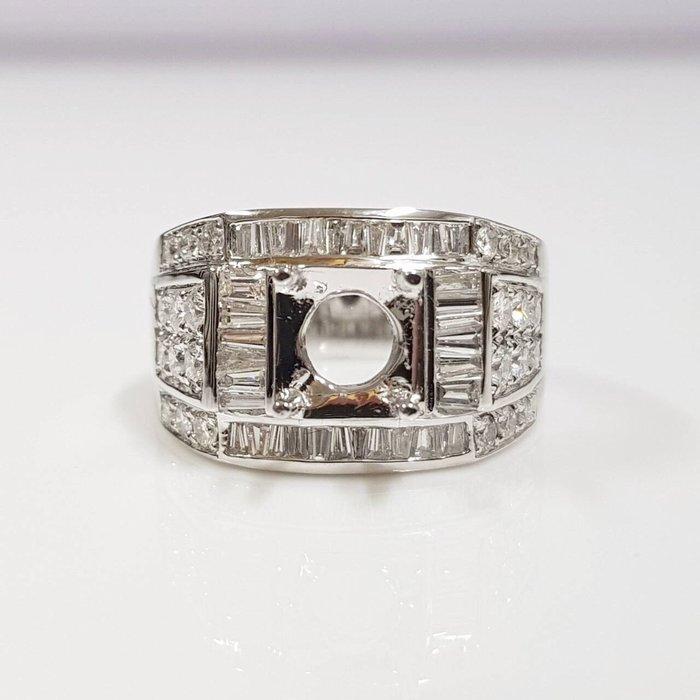 全新品 鑽石空台 適用1~1.3克拉用台 有色寶石皆可使用 585K金鑽石材質 配鑽約1ct 大眾當舖 編號5861