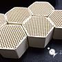 小郭水族【多孔性 蜂巢培菌 陶瓷磚 1入/散裝】蜂巢塊 陶瓷環 培菌 硝化菌 生物珠 可參考