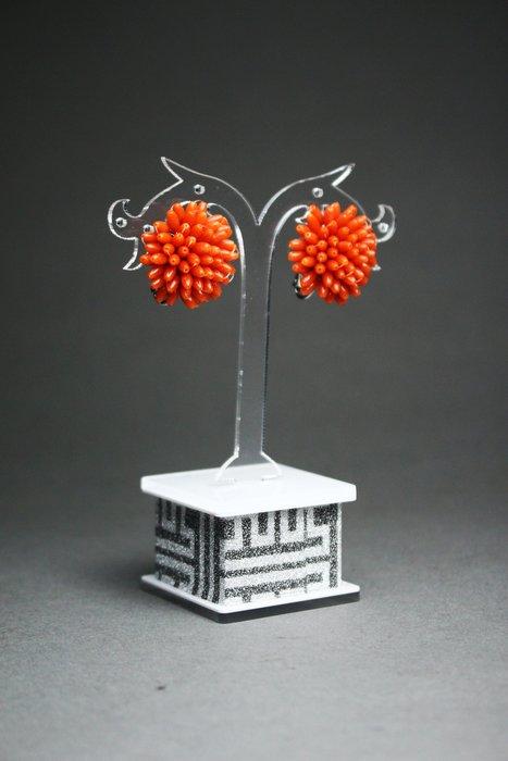 悅年堂 --- 天然 MOMO  珊瑚 耳環