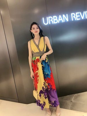 [ ohya梨花 ] =韓國帶回=最新春夏新款性感跑趴婚禮宴會穿搭黃色/黑色彩色印花造型連身裙長洋裝