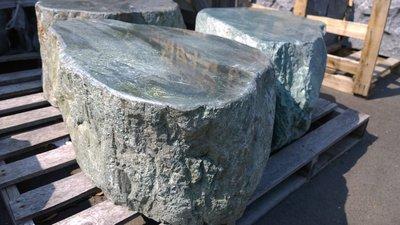 蛇紋石椅(石材 木材 庭園休閒 戶外 桌椅 造景 雕刻 景觀 園藝家庭用具 批發零售)