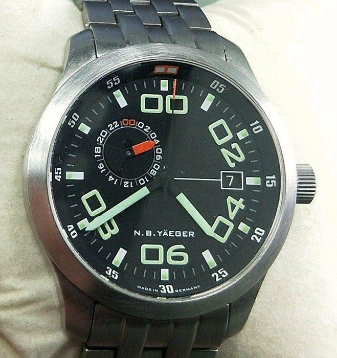 OQ精品腕錶  德國飛行錶採用瑞士ETA2824—2機蕊防水100米全新錶保單原廠盒子日本定價日幣143.000元約台幣4萬多元行走正常不含頭4OMM24小時