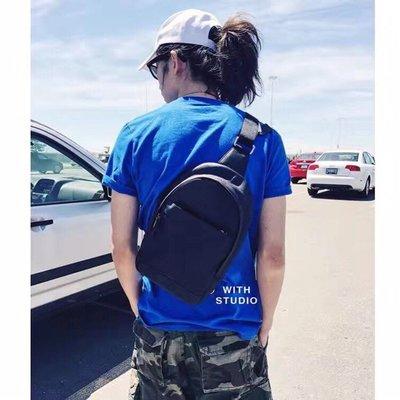 COACH 54770 美國代購牛皮拉鏈後背包素色 休閒單肩包男包前胸包 后胸包