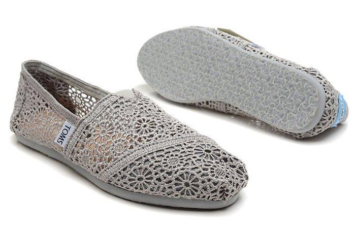 ☆╮A&T-TOMS╭☆專賣 美國品牌TOMS帆布鞋Morocco Crochet蕾絲簍空款【女-灰】現貨+預購