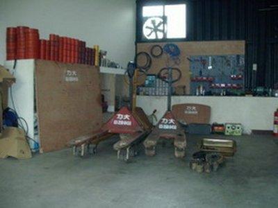 漏油,升不起來-油壓車維修,拖板車維修,油壓板車維修-力大機械企業社