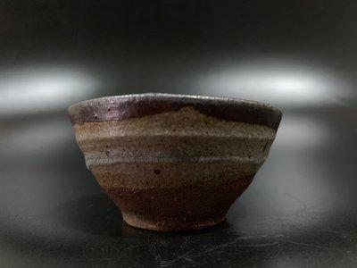 ◎和光屋精選◎古美術、茶道具、生活美學-古唐津燒皮鯨酒吞、完整、十八世紀、沉靜內斂、稀品