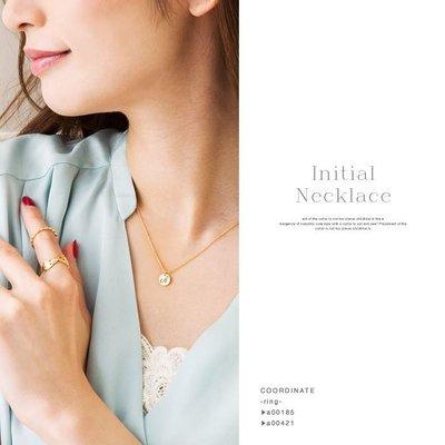 預購 日本 18K鍍金 小圓牌幸運英文字母點綴小鑽石鎖骨項鍊