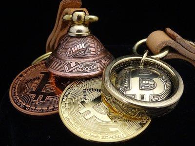 ao.circle 奢扣 {原創} 美國 BITCOIN 比特幣 手工墜飾 (原創設計新款)金色 電路板 驅魔鈴 鑰匙圈