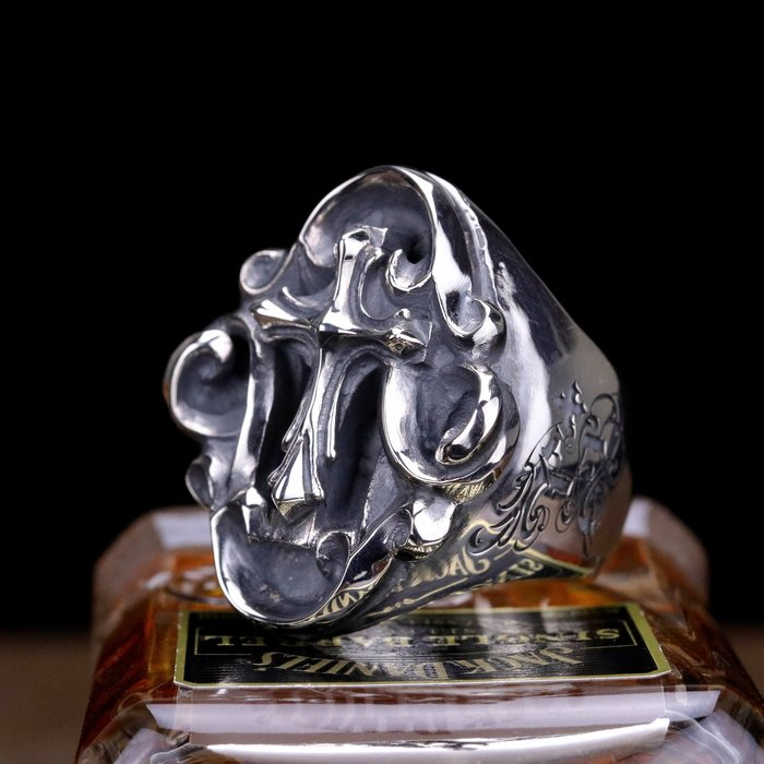 【Silver Monsters】日本一級神牌Loud Style Design 緋紅の祈禱 雕花十字戒指