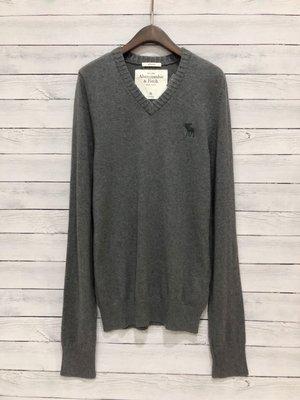 Maple麋鹿小舖 Abercrombie&Fitch * AF 深灰色V領麋鹿LOGO長袖上衣 * (現貨XL號)