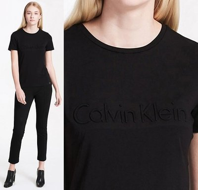 CK Calvin Klein 女 短袖T恤 凸字 小鐵片LOGO 黑 現貨