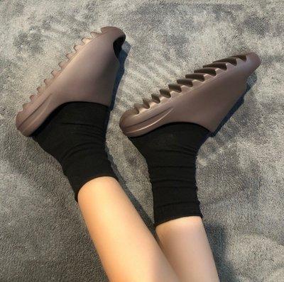 Adidas Yeezy Slide Soot 深棕 百搭 戶外 沙灘 經典 休閑拖鞋 G55495 男女